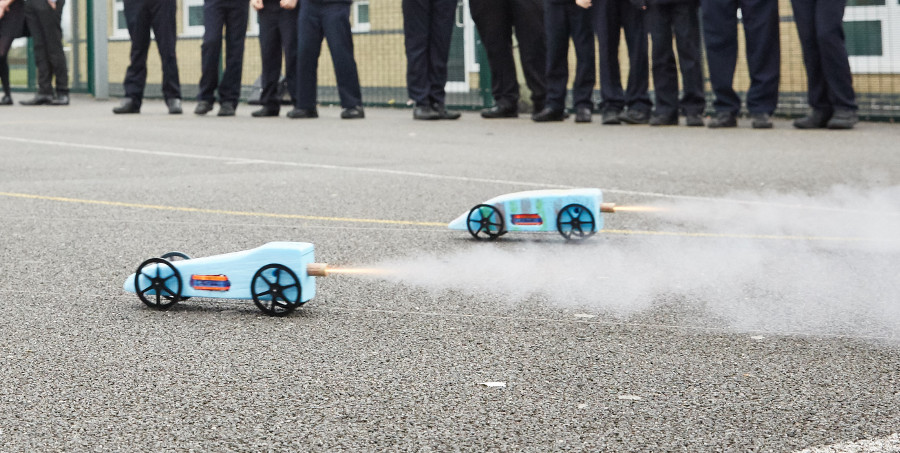 Race To The Line model rocket car challenge